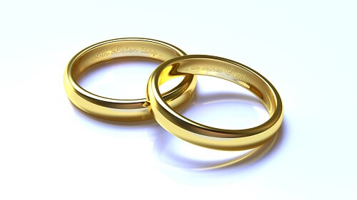 Als Geschenk eignen sich Schatztruhen ausgezeichnet bei Hochzeiten.
